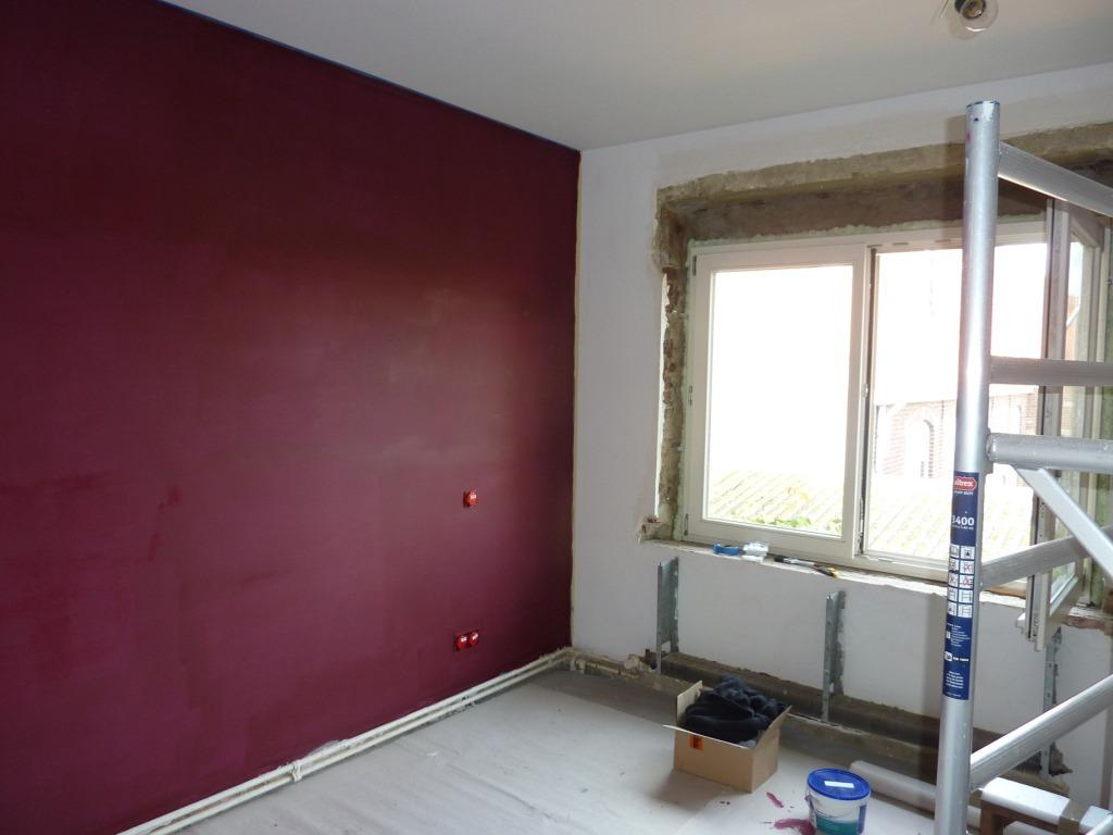 Eerste verdiep boerenerf - Grijze en rode muur ...